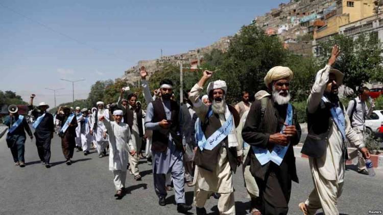 کاروان صلح خواهی در بغلان: طالبان به ما توهین کردند