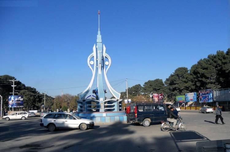 انتقاد ها از نبود پارکینگ های معیاری در شهر هرات