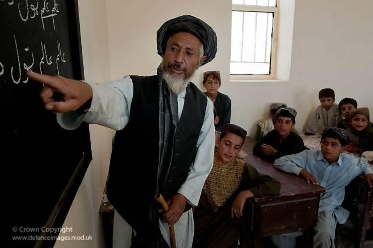 آموزگاران کشور در اوج بی مهری دولت