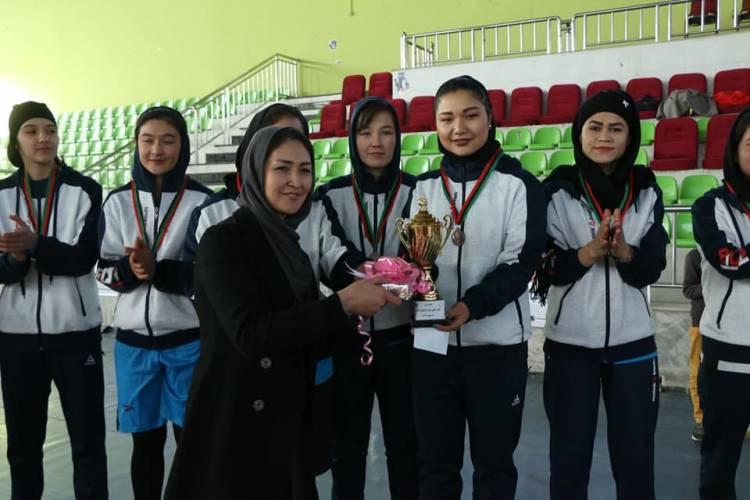 تیم بانوان سره میاشت قهرمان والیبال کابل شد