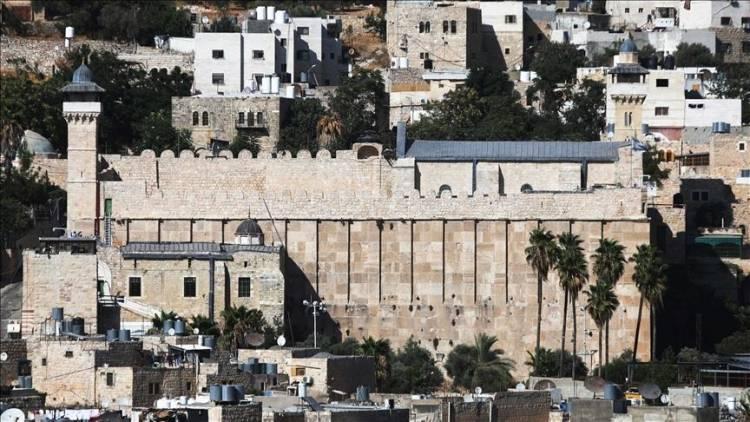 نظامیان اسرائیل به نمازگزارن فلسطینی در مسجد ابراهیمی شهر الخلیل کرانه باختری اشغالی حمله کردند